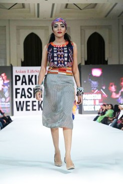 Gul-Ahmed-PFW-Dubai-2014-Summer-Collection-5